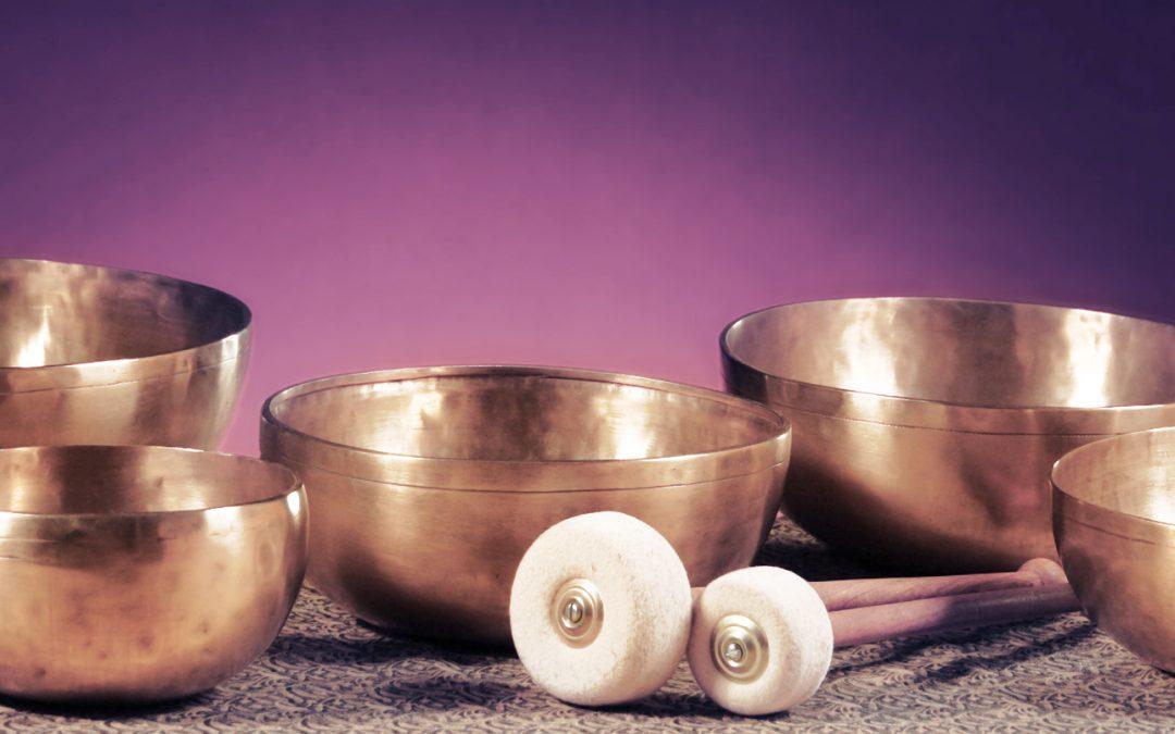Yoga Nidra mit Klangschalenbegleitung – Tiefenentspannungstechnik